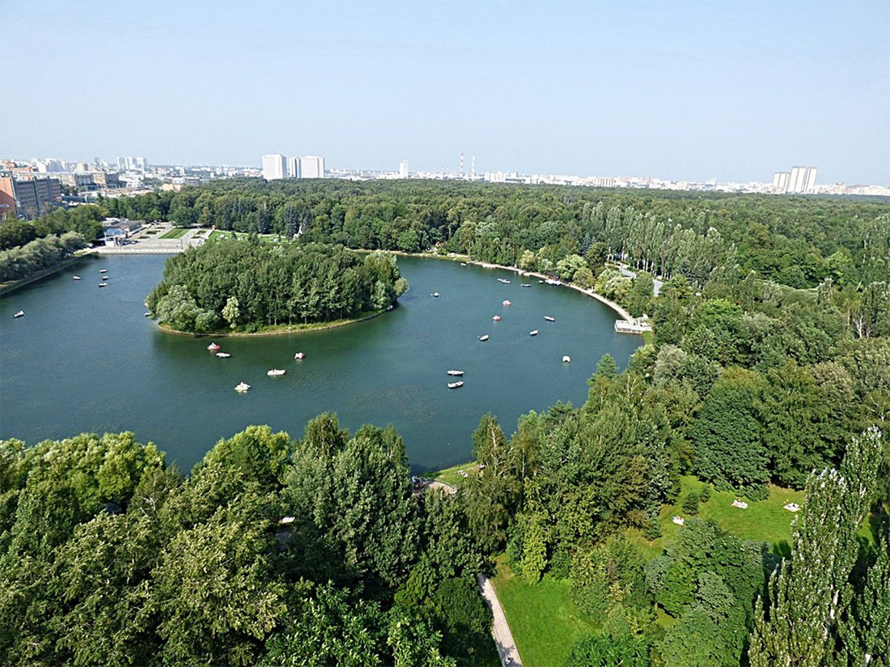 В Москве проведут аукционы на право торговли в Измайловском парке